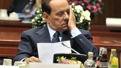 Addio Silvio! Berlusconi plays last hand