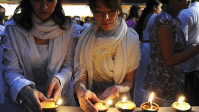 Japanese pay last respects to earthquake victims