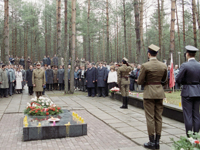 Katyn's two tragedies: first divides, second unites