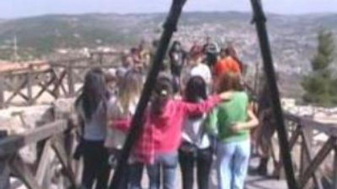 King of Jordan shows support for the children of Beslan
