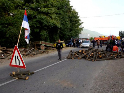 Kosovo chaos: Serb attackers set border post on fire