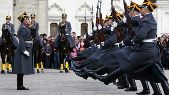 Kremlin guards signal spring