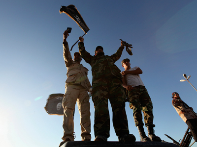 Libyan pro-government activists attack militia headquarters (VIDEO, PHOTOS)
