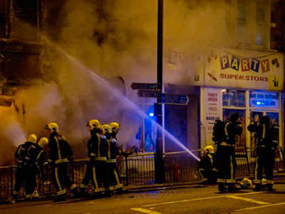 Crowd control: CS gas & water cannons on London police wish list