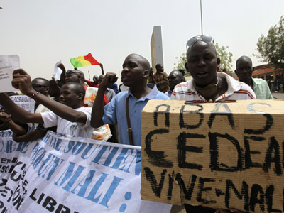 Junta backpedals as Tuaregs declare independence from Mali