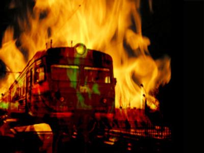 Man burns wife to death on suburban train