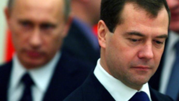 Medvedev and Putin losing people's support