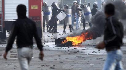 Egypt torn in clashes for 6th day in a row, over 100 killed