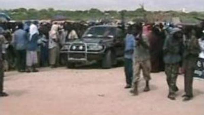 Mogadishu far from cease-fire, dozens flee Somalia
