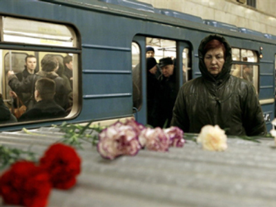 2 Metro workers held: Switch attached with wire blamed for fatal Moscow crash