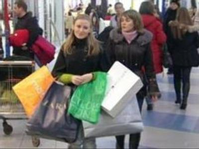 New Year's shopping spree underway in Russia
