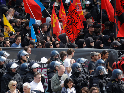 Police disperse Occupy Frankfurt camp (PHOTOS)