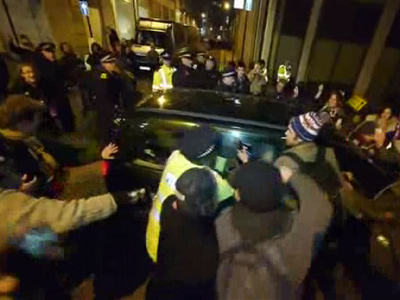 Occupy London camp destroyed by police in riot gear (PHOTOS, VIDEO)