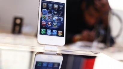 Smart phone sales drives electronic retail up