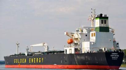 Pirates free tanker with Russian crew