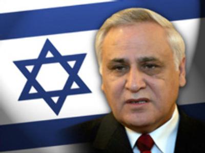 Plea bargain saves Israeli president from rape charge