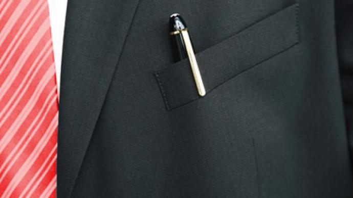 Plenty of pens for Mr. President's pocket