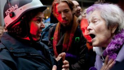 Flash-grenades & tear-gas: 400 arrested at Occupy Oakland (VIDEO)