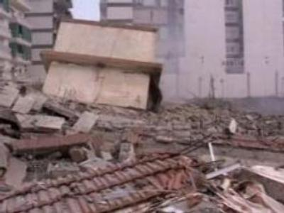 Port ablaze as Israel hits Beirut