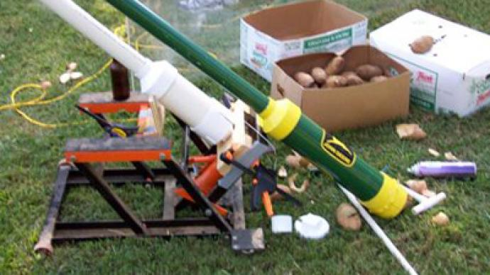 'Potato firearm': Spud gun lands German chef in hot water at Swiss border