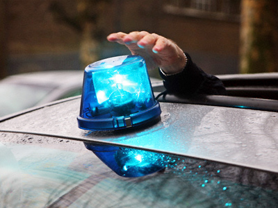 Government to reduce number of cars with flashing lights