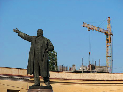 Lenin on Red Square: should he stay or should he go?