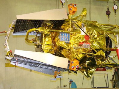Falling probe-ability: Guesswork over space debris crash point