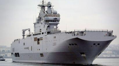 Russia, France sign deal on two Mistral-class helicopter carriers
