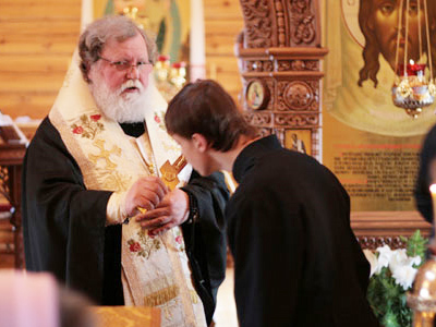 "Church pairs with politicians to draw ""eternal Russian values"" list"