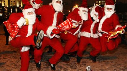 Jolly Christmas descends on Russian capital