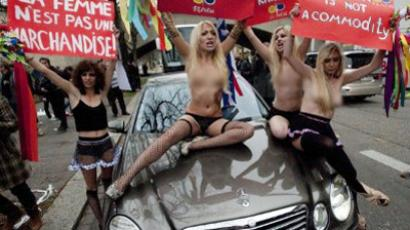 Sexy Dutch ad infuriates Ukraine (VIDEO, PHOTOS)