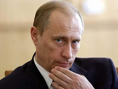 Putin owns no mobile phone, never answers phone at home