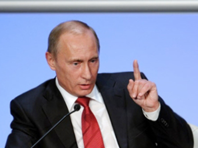 Putin stands up for hungry town
