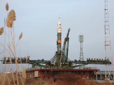Soyuz takes spies high in the sky