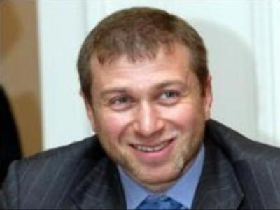 Roman Abramovich becomes single again