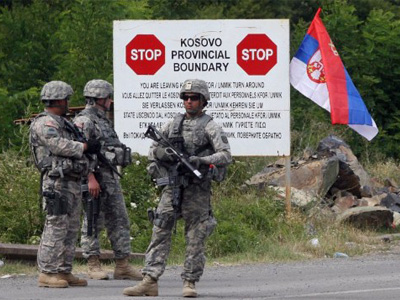 Kosovo Serbs clash with NATO forces over roadblocks, 6 injured (VIDEO, PHOTOS)