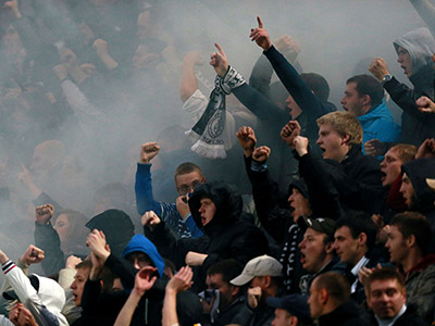 Fire, smoke grenades, clashes: Moscow derby goes mad (PHOTOS)