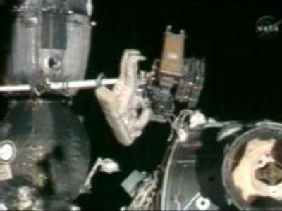 Russian cosmonauts successfully finish spacewalk