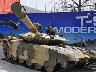 'Flying tank' premiere: Russia unveils new T90-MS in India