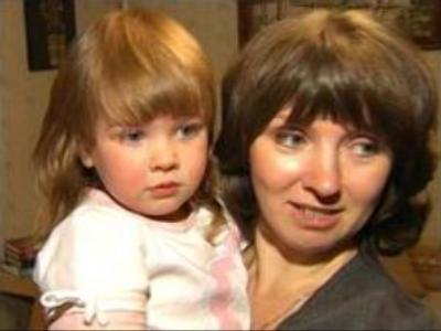 Russian mothers to face up to career-home choice
