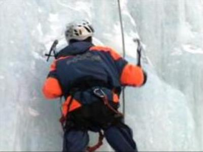 Russian mountain rescuers work all year round