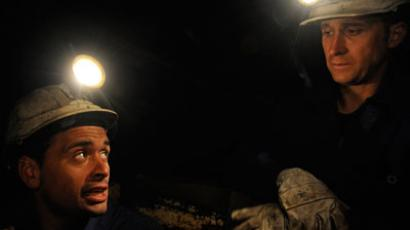 Austerity cut: Italian miner slits wrist on TV to protest coal mine shutdown (GRAPHIC VIDEO, PHOTOS)