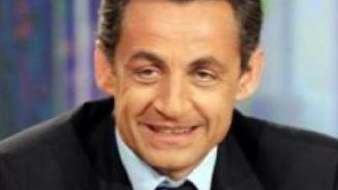 Sarkozy holds rally in Paris