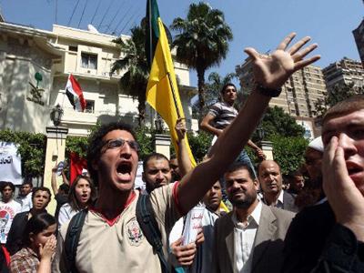 Saudi Arabia recalls ambassador to Egypt, closes embassy