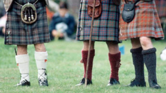 Scotsmen bid goodbye to tradition