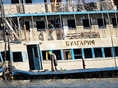 Midnight boat tour turns to tragedy in Moscow