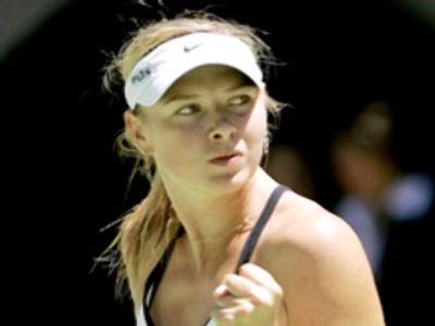 Sharapova plays Venus Williams at Wimbledon