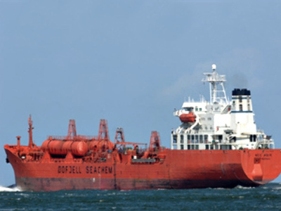 Somali pirates seize two European tankers
