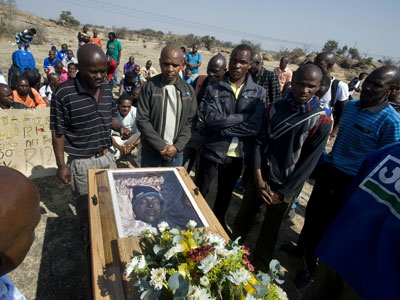 S. Africa evacuation plan: White Afrikaner group fears genocide upon Mandela's death