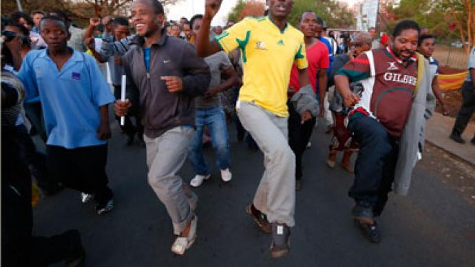 Victory is mine: S. African miners rejoice after murder charges dropped (PHOTOS)